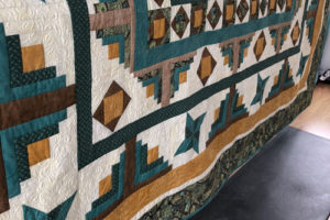 MCM #149: Finishing a Custom Quilt Job and Playing with Dinosaurs